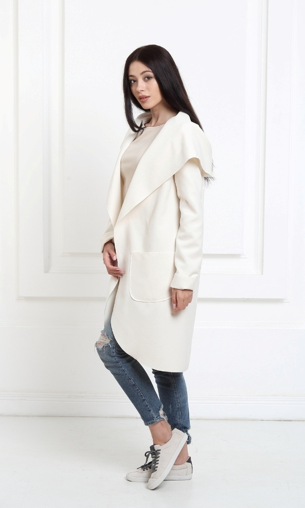 Кашемировое пальто с капюшоном молочного цвета