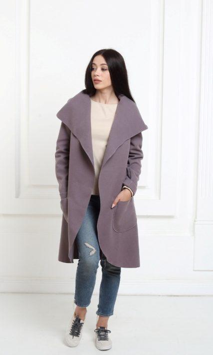 Кашемировое пальто с капюшоном лавандового цвета