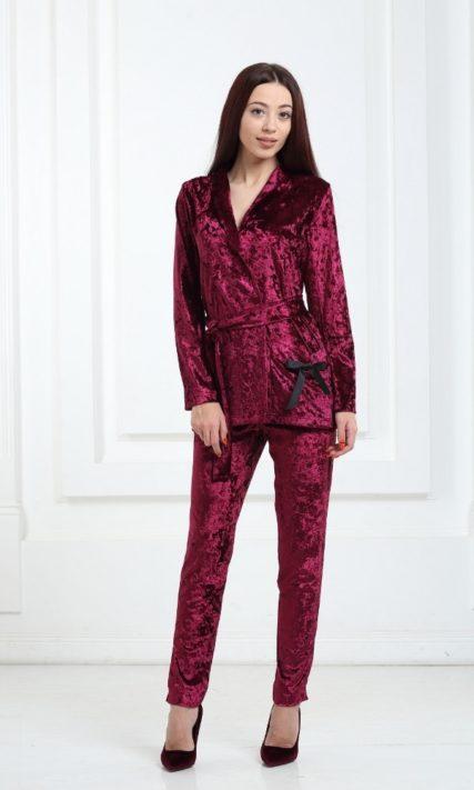 Женский костюм бордовый велюровый