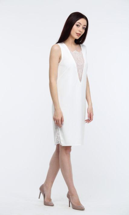 Платье белое с кружевом