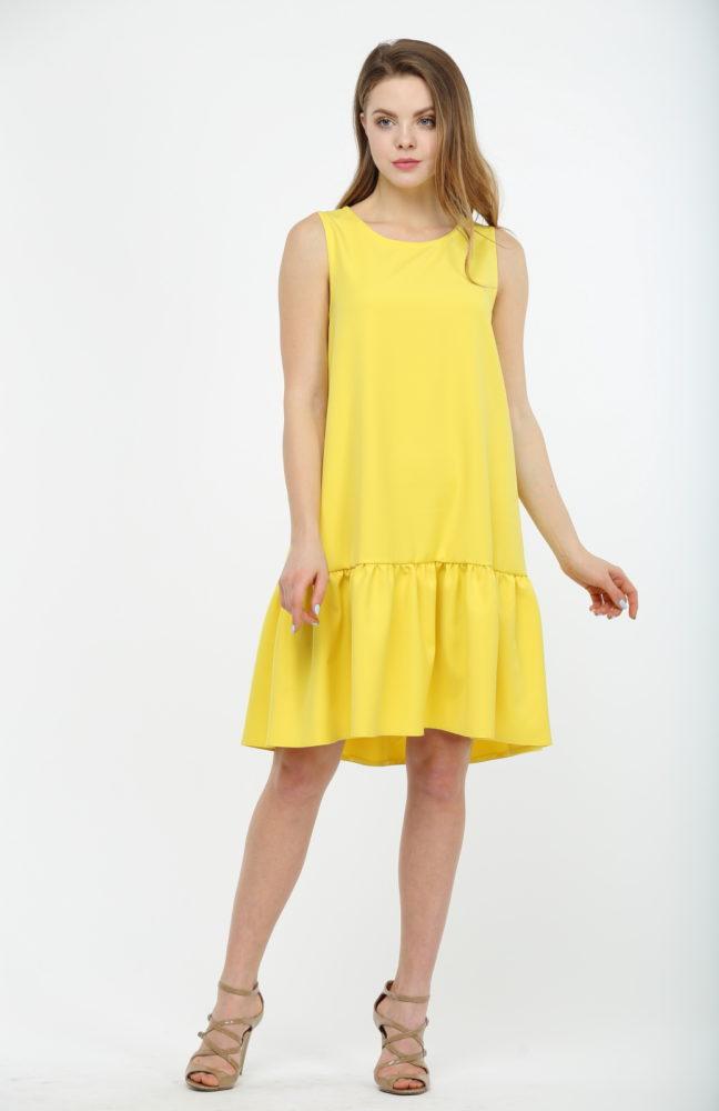 Желтое платье с воланами