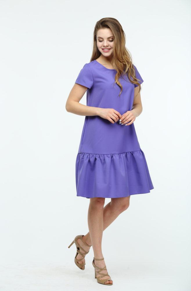 Фиолетовое платье с воланами и коротким рукавом