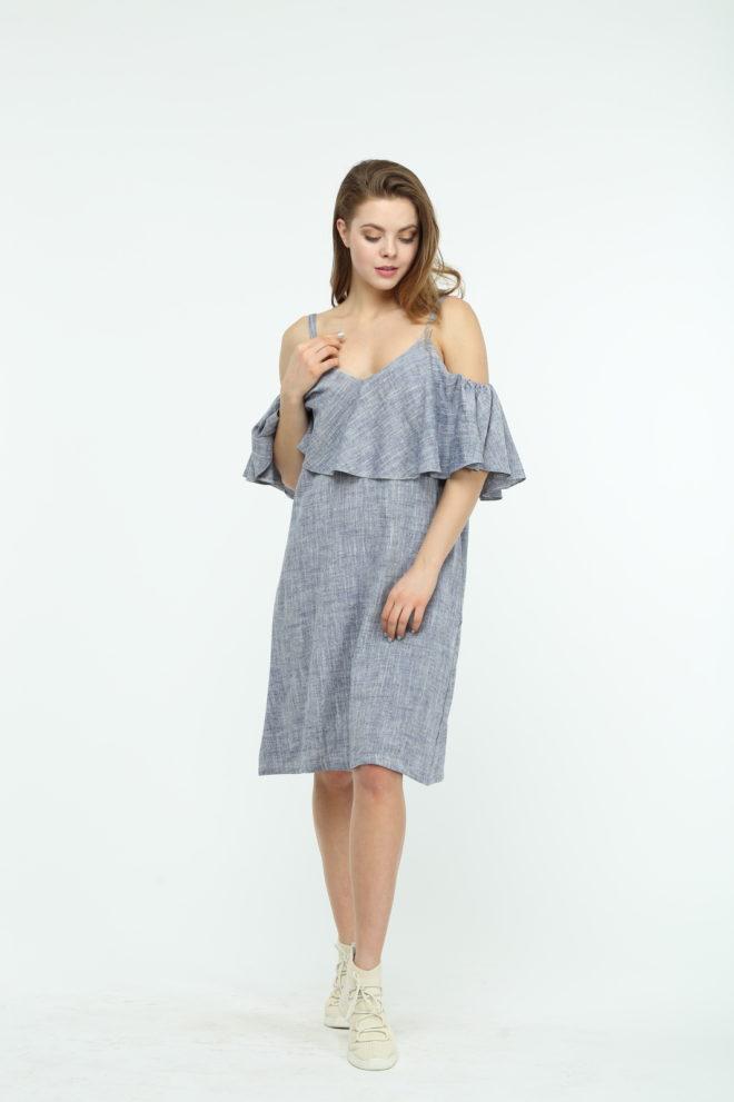 Платье из льна с открытыми плечами