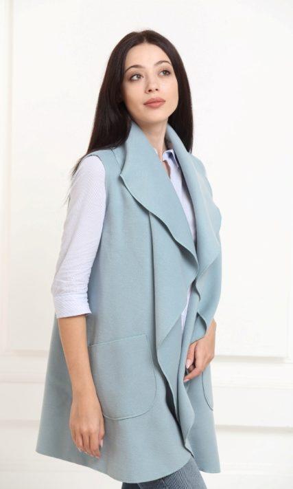 Кейп серо-голубой средней длины с карманами