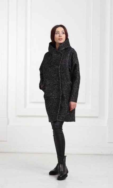 Короткое пальто с капюшоном черный меланж