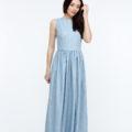 Платье из льна голубого цвета