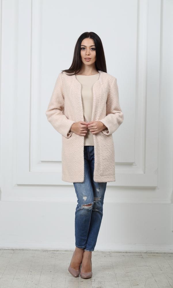 Облегченное пальто светло-розовое из буклированой шерсти