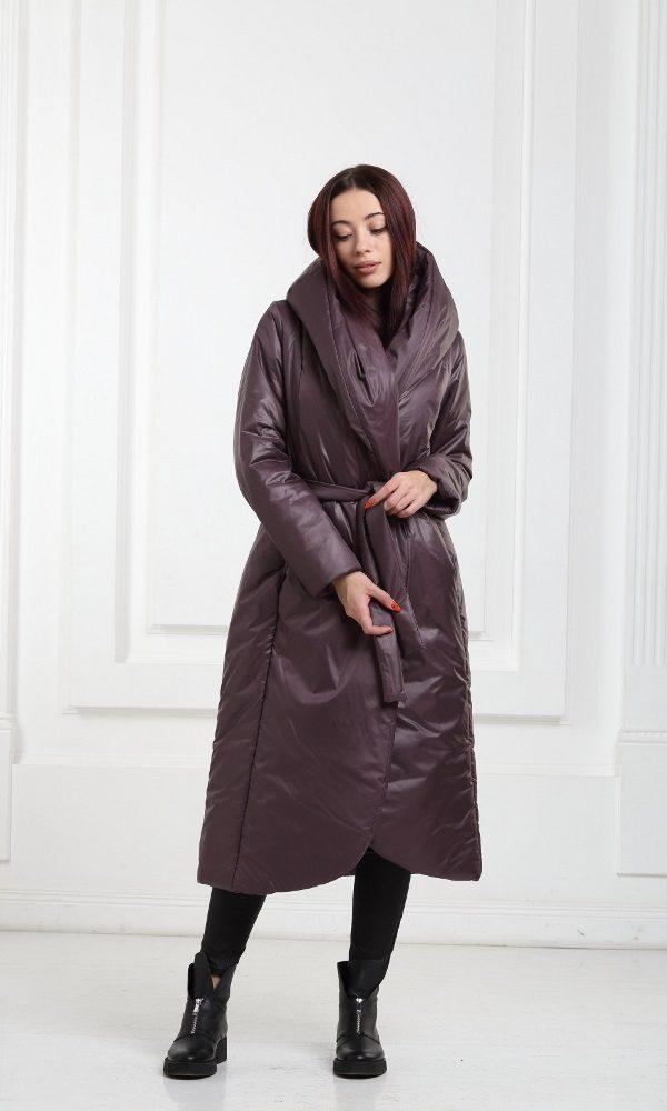 Зимнее дутое длинное пальто фиолетовое