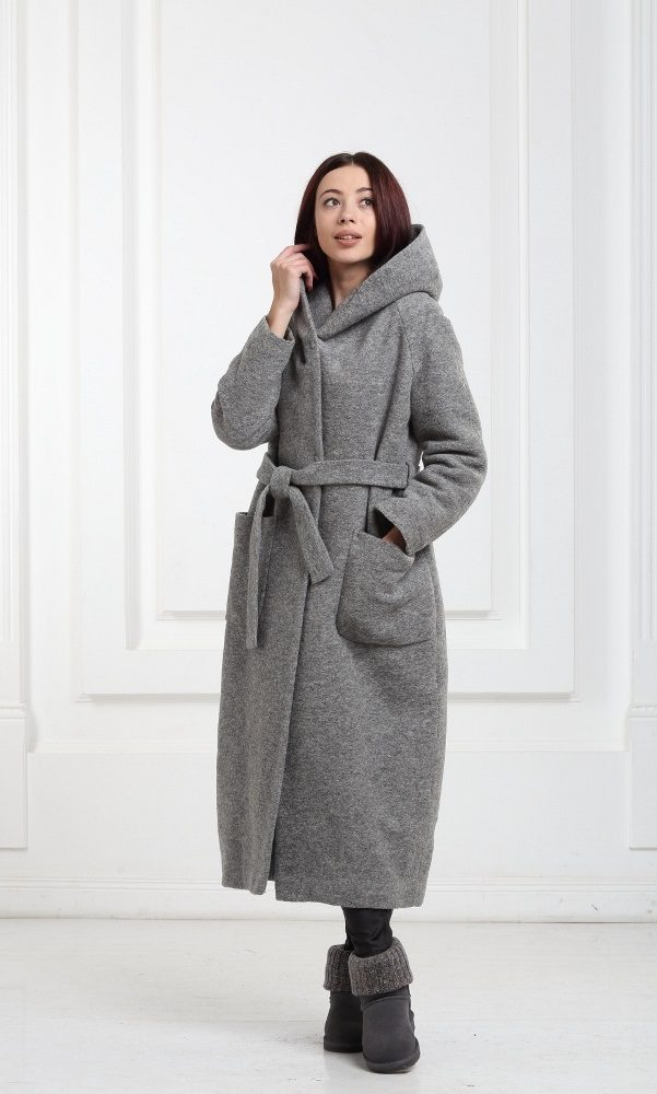 Зимнее длинное пальто серого цвета