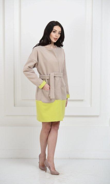 Пальто двухцветное светло-бежевое с лаймом