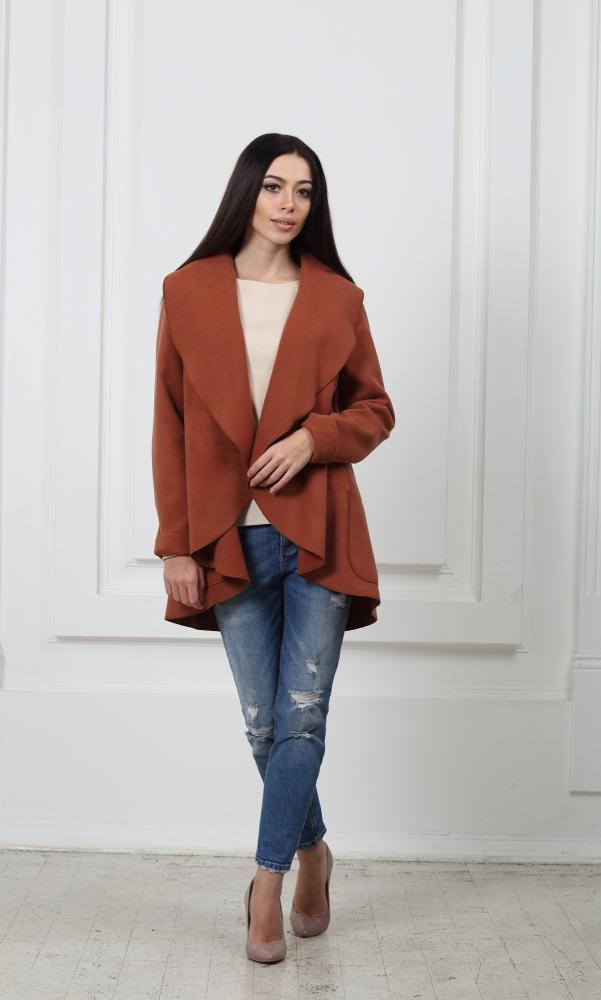 Жакет средней длины коричневый с карманами