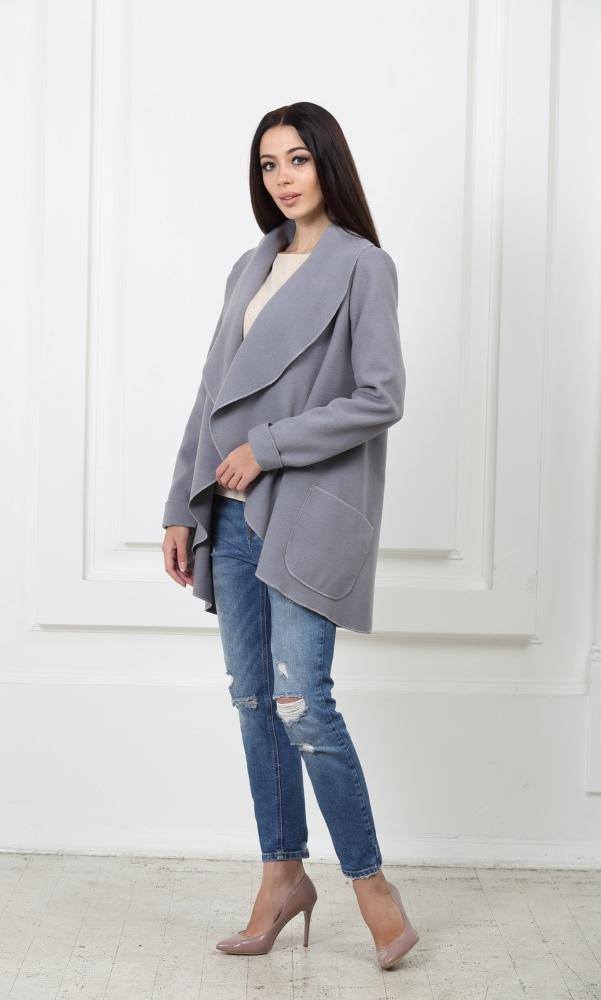 Жакет средней длины светло-серый с карманами