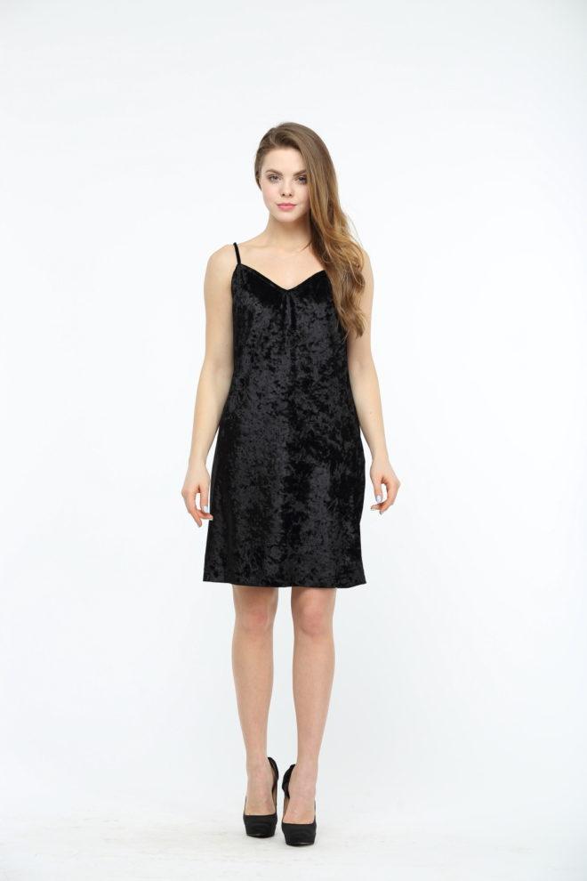 Черное велюровое платье