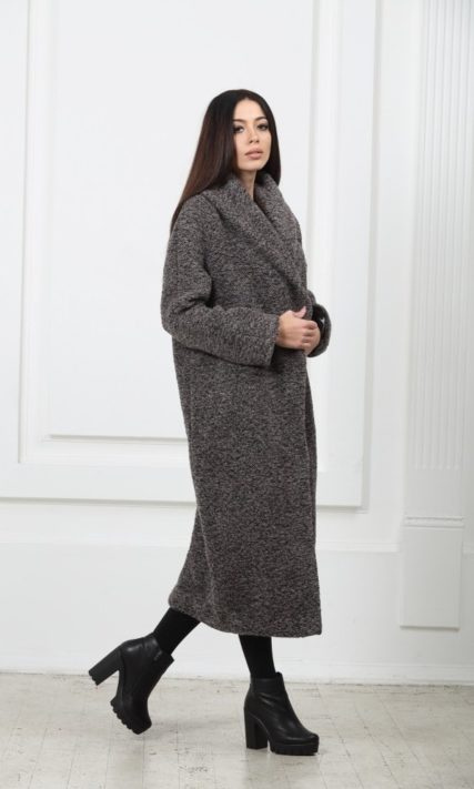Длинное шерстяное пальто с карманами серого цвета