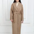 Длинное пальто бежевого цвета
