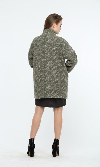 Пальто зеленого цвета