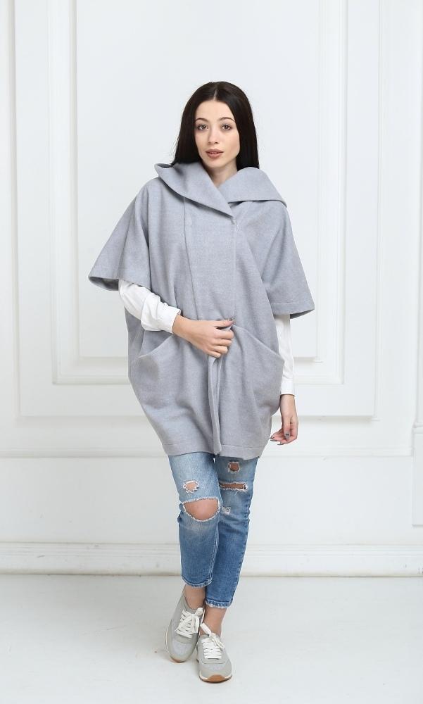 Пальто-пончо светло-серого цвета