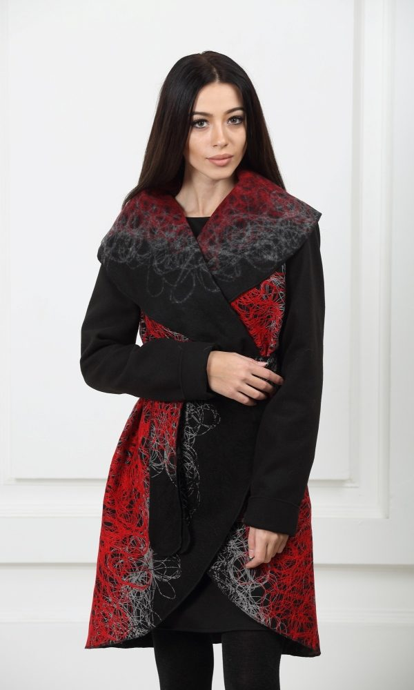 Кашемировое пальто красная нить