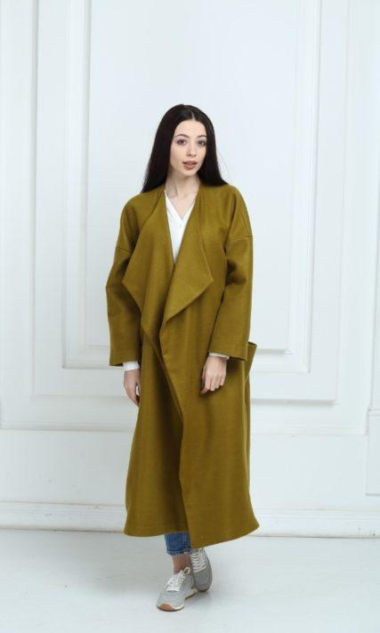 Длинное пальто oversize оливкового цвета