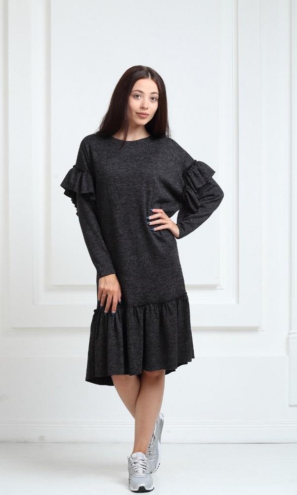 Трикотажное платье средней длины черного цвета