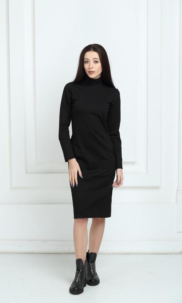 Платье трикотажное чёрное средней длины