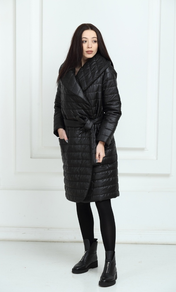 Пальто дутое черного цвета