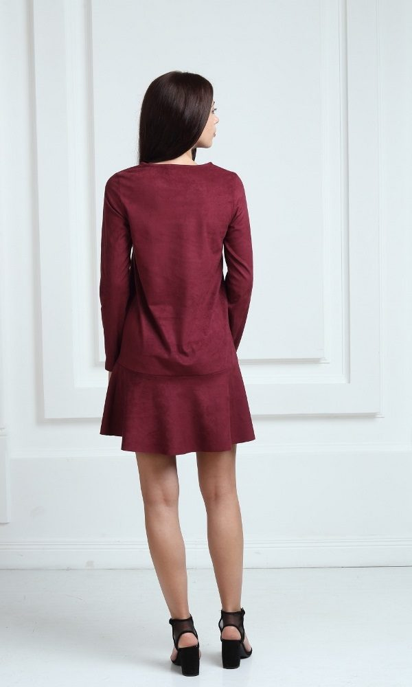Платье замшевое короткое с воланами цвета марсала
