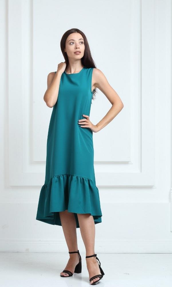 Платье длинное зеленого цвета с воланами