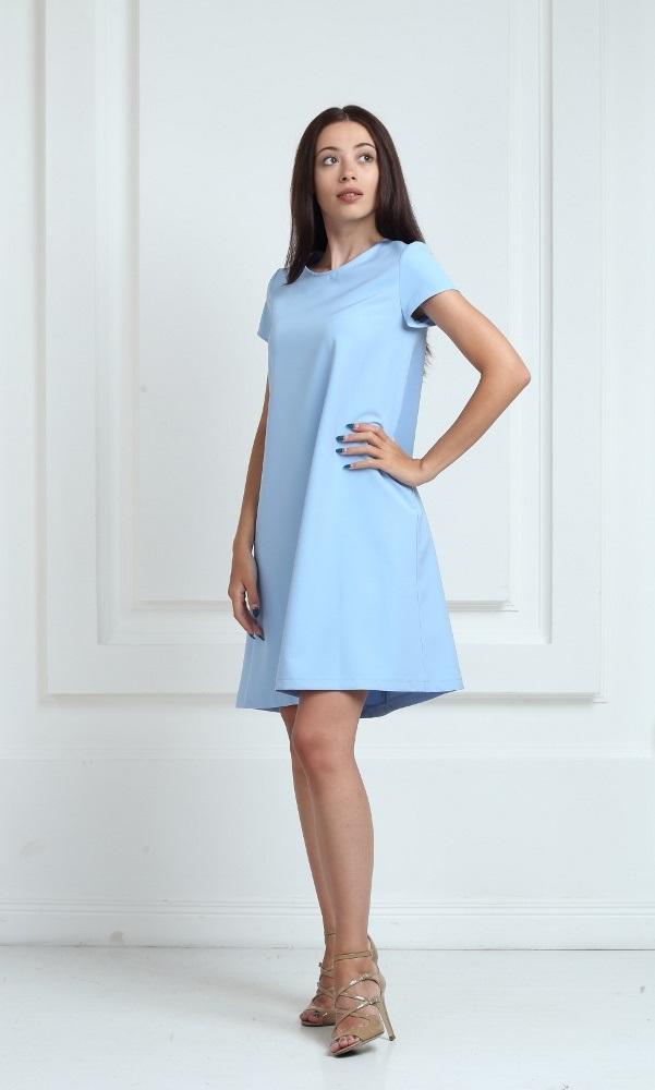Платье голубого цвета с короткими рукавами