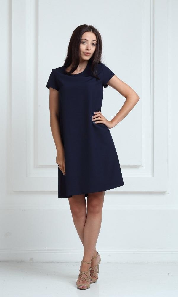 Платье синего цвета с короткими рукавами