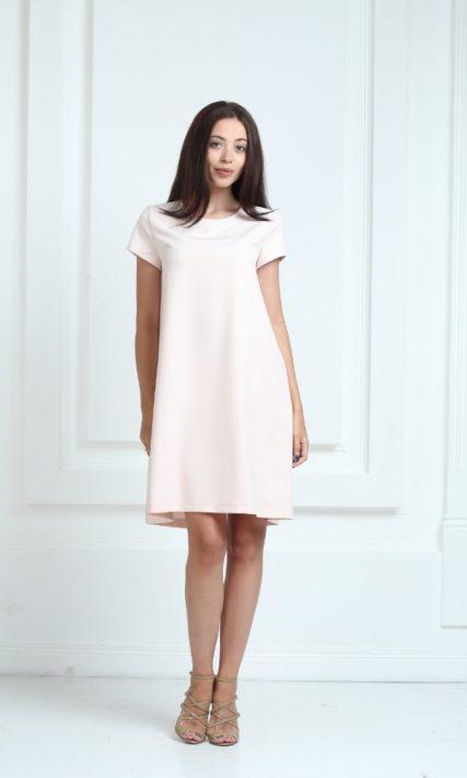 Платье молочного цвета с короткими рукавами