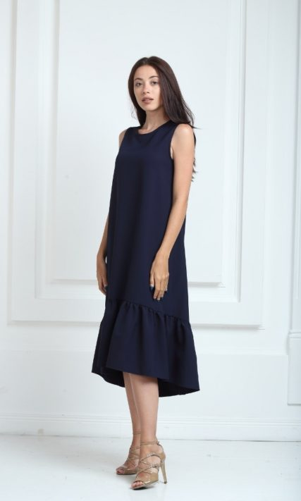 Платье длинное синего цвета с воланами