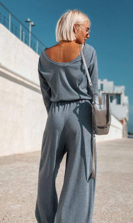 Женский комбинезон для прогулок